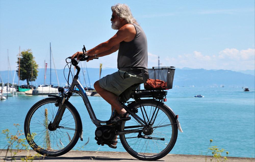 I elektrocyklista je sportovec